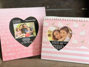 Valentines Day Mod Podge picture frames @ Bouchette Vineyards | Bethel | PA | United States